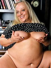Short fat nude pic, John cena nude pics